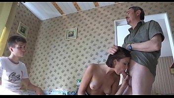 Домашняя дискотека для обеих влюбленных стремящихся порно