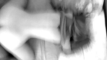 Блондинка с большими сиськами получает кремпай в пизду