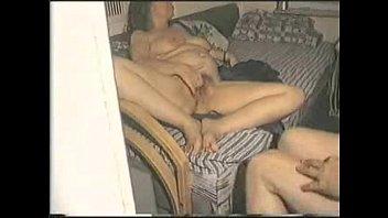 Латино-американка в нейлоне с большими дойками ебется на кухне