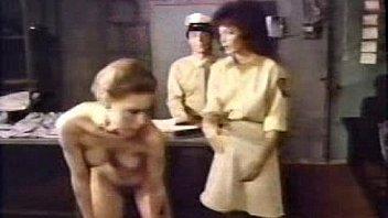Секс пасынка с его упитанной мамкой с отсосом и еблей в лохматку и между грудей