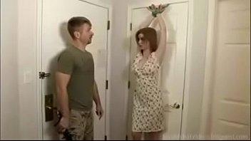 Тонкая массажистка дала клиенту