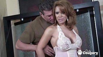 Бдсм секс видео где шлюху-блондинку связали и заставили получить оргазм